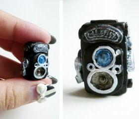Rolleiflex Vintage-style Camera Brooch